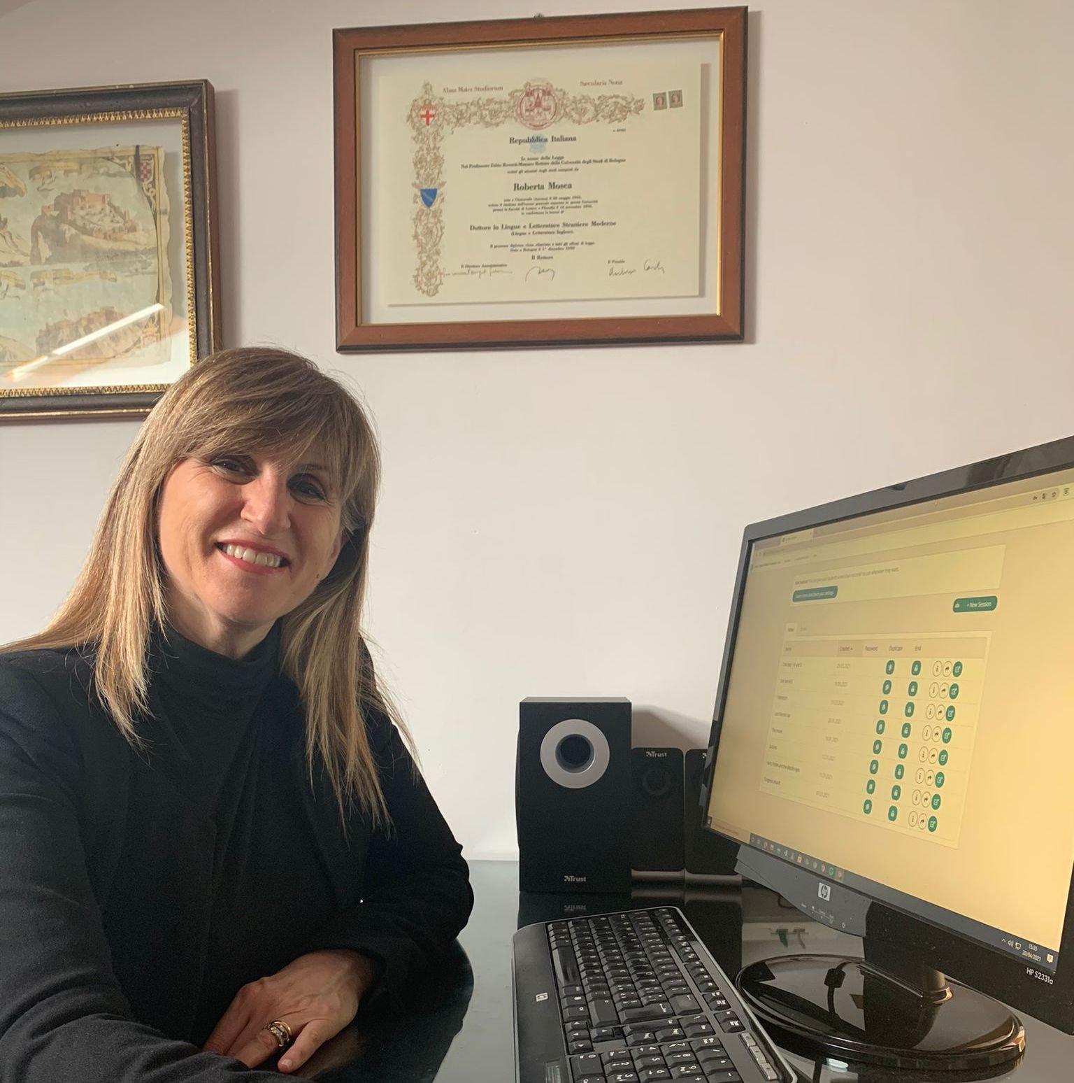 teacher teaching using Sanako Connect